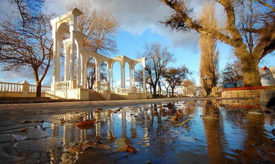 Погода в Евпатории на ноябрь 2017: дождливые будни города